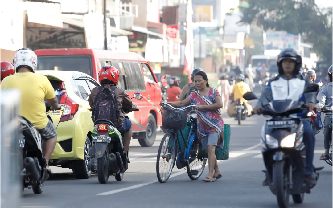 Improving Access to Cycling Benefits Women in Marginalized Neighborhoods